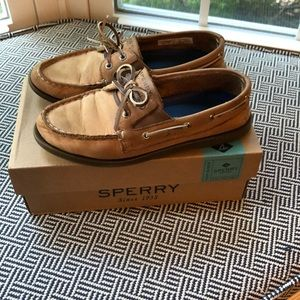 Sperry Boat Shoes - Size 1.5 Youth